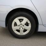 低燃費に貢献するエコタイヤ&軽量アルミホイール