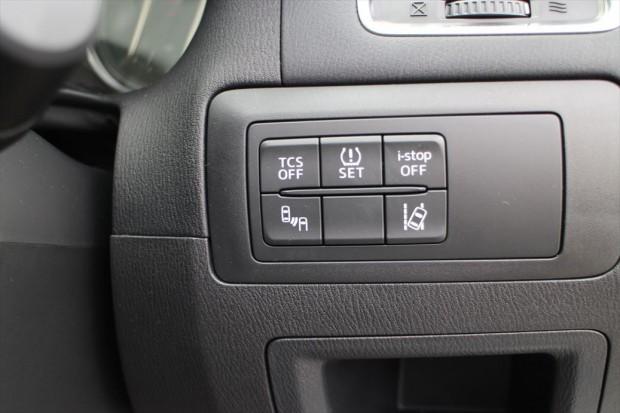 タイヤ空気圧センサー、車線逸脱監視、後方レーダー