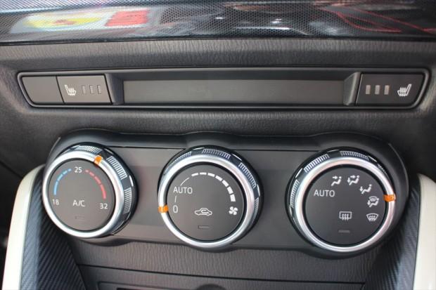 オートエアコンとシートヒーター