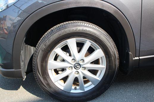 タイヤ残り溝も充分